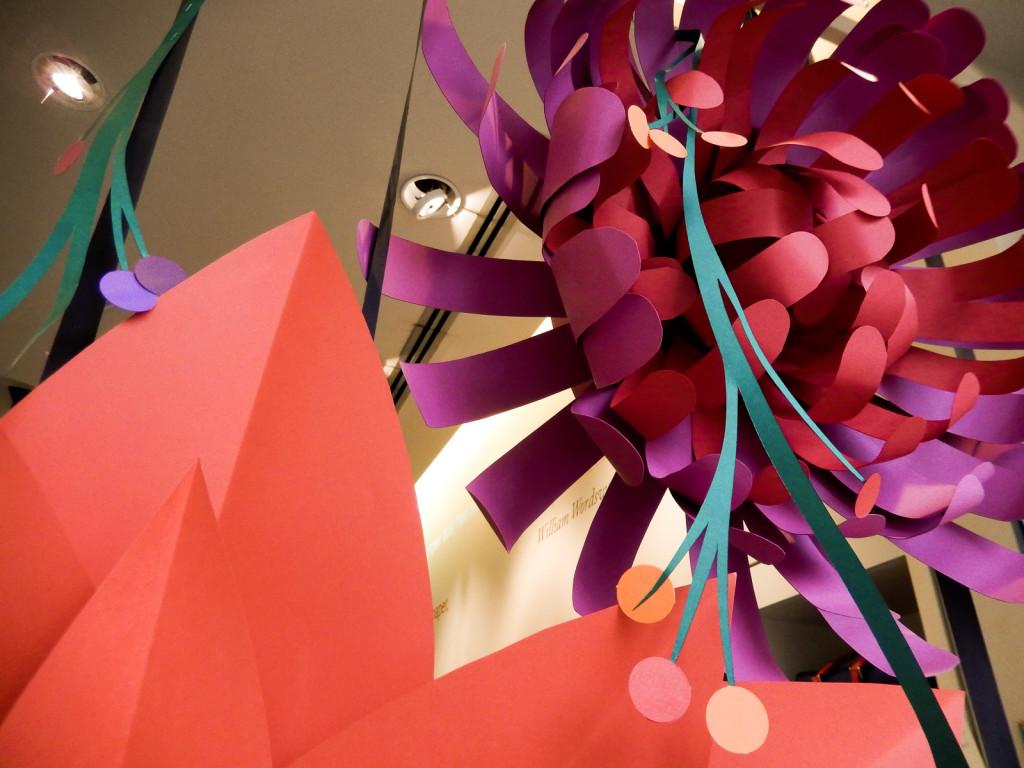 fiori-carte-sculture-vetrine-fabriano-wonderland-12