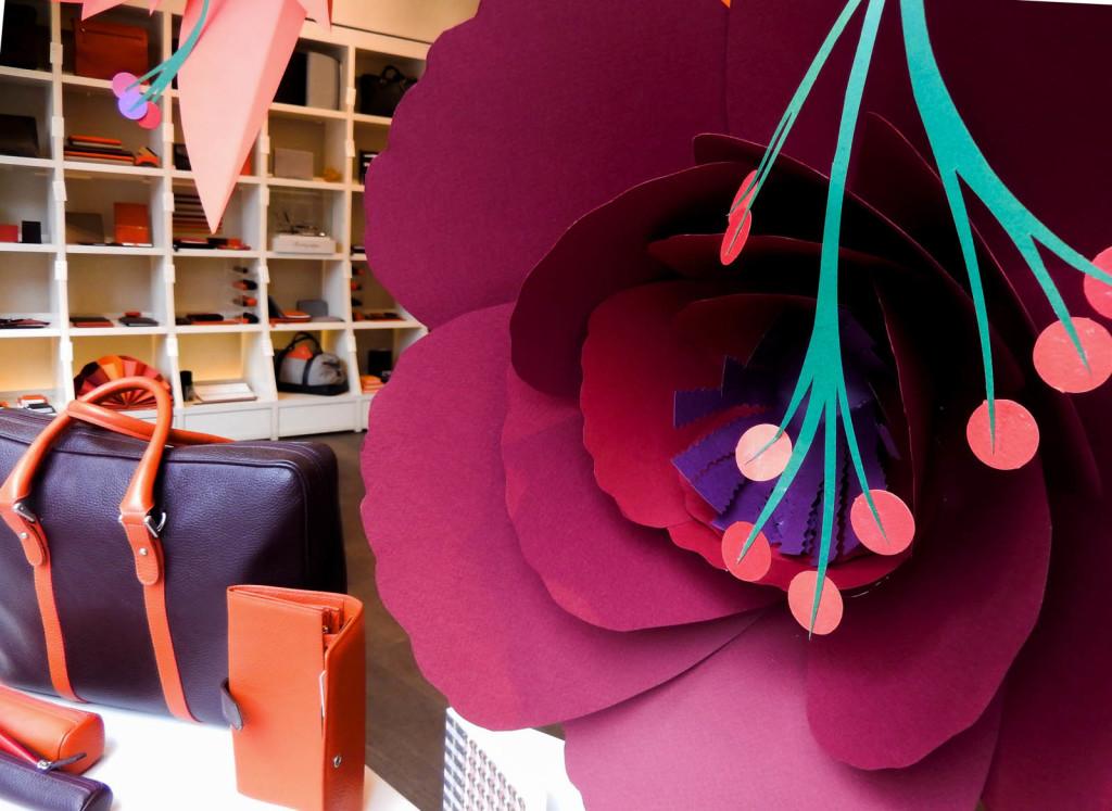 fiori-carte-sculture-vetrine-fabriano-wonderland-6