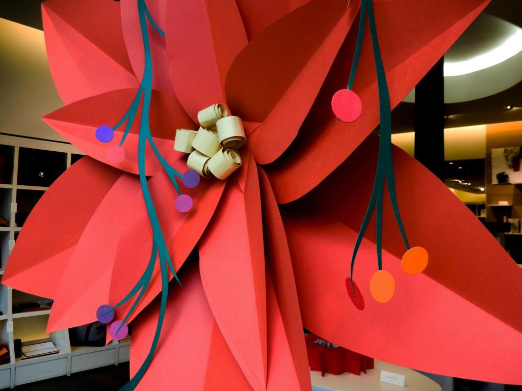 fiori-carte-sculture-vetrine-fabriano-wonderland-8