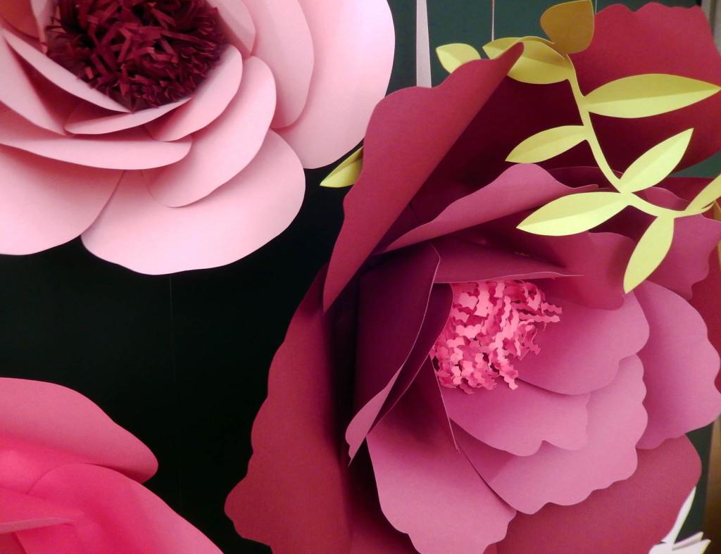 wonderland-allestimento-vetrine-fabriano-fiori