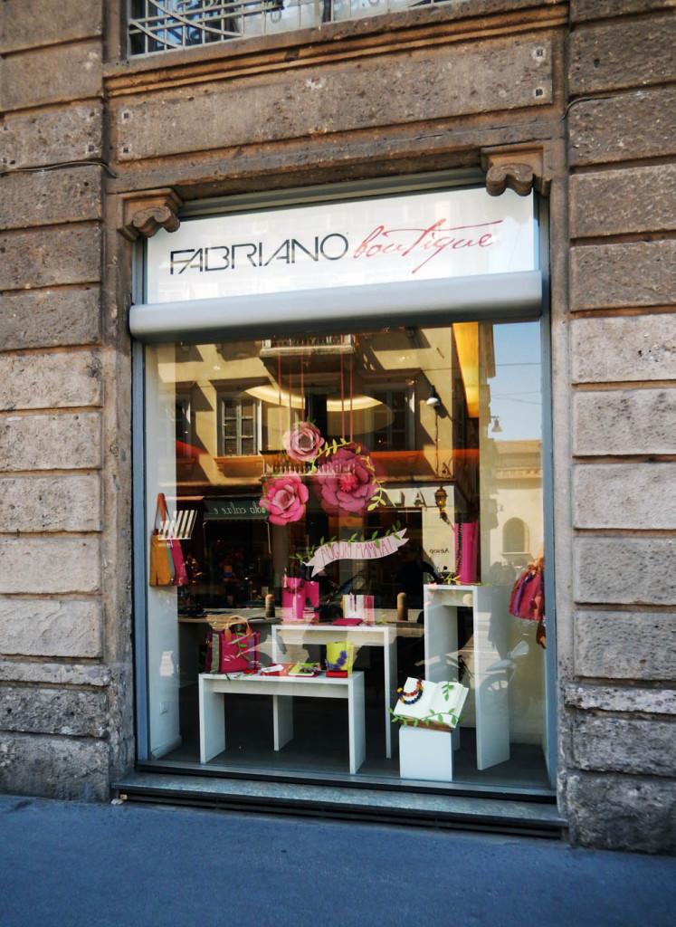 wonderland-allestimento-vetrine-fabriano-milano