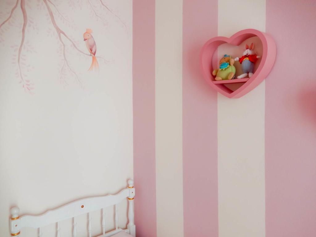 cameretta-bambina-piacenza-decorazione-wonderland