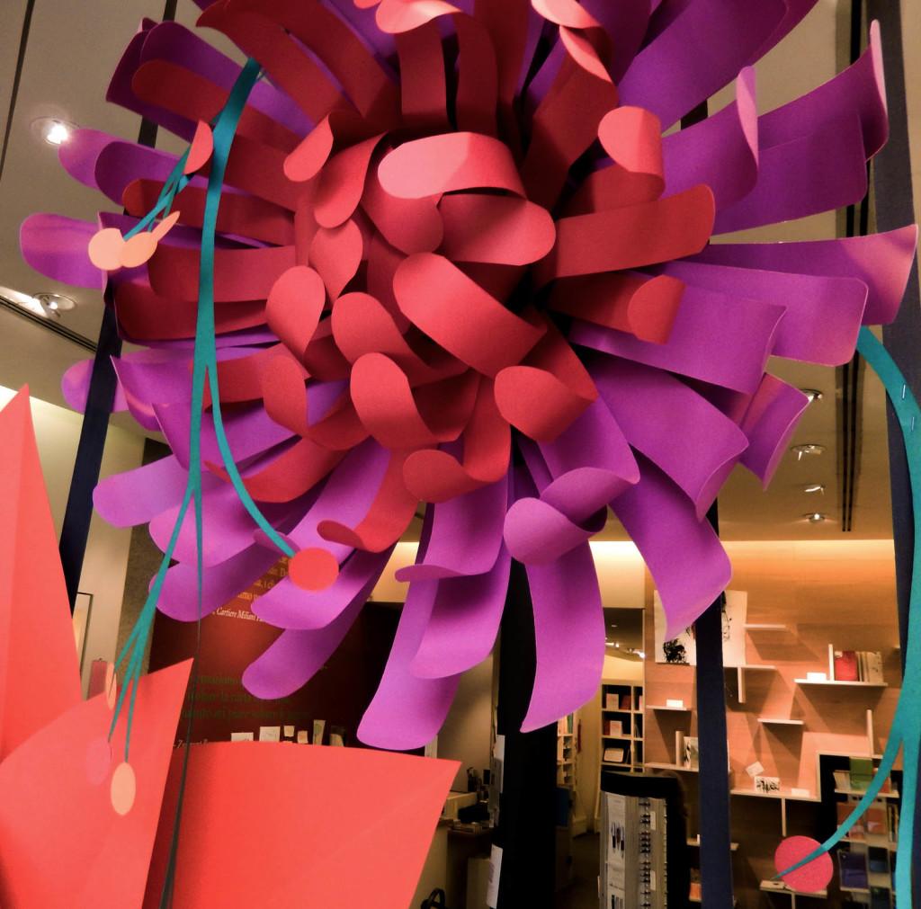fiori-carte-sculture-vetrine-fabriano-wonderland-7