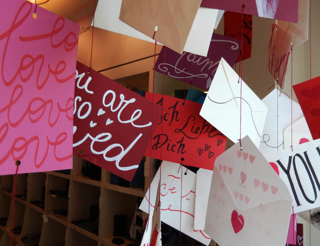 san-valentino-fabriano-amore-wonderland-papercut