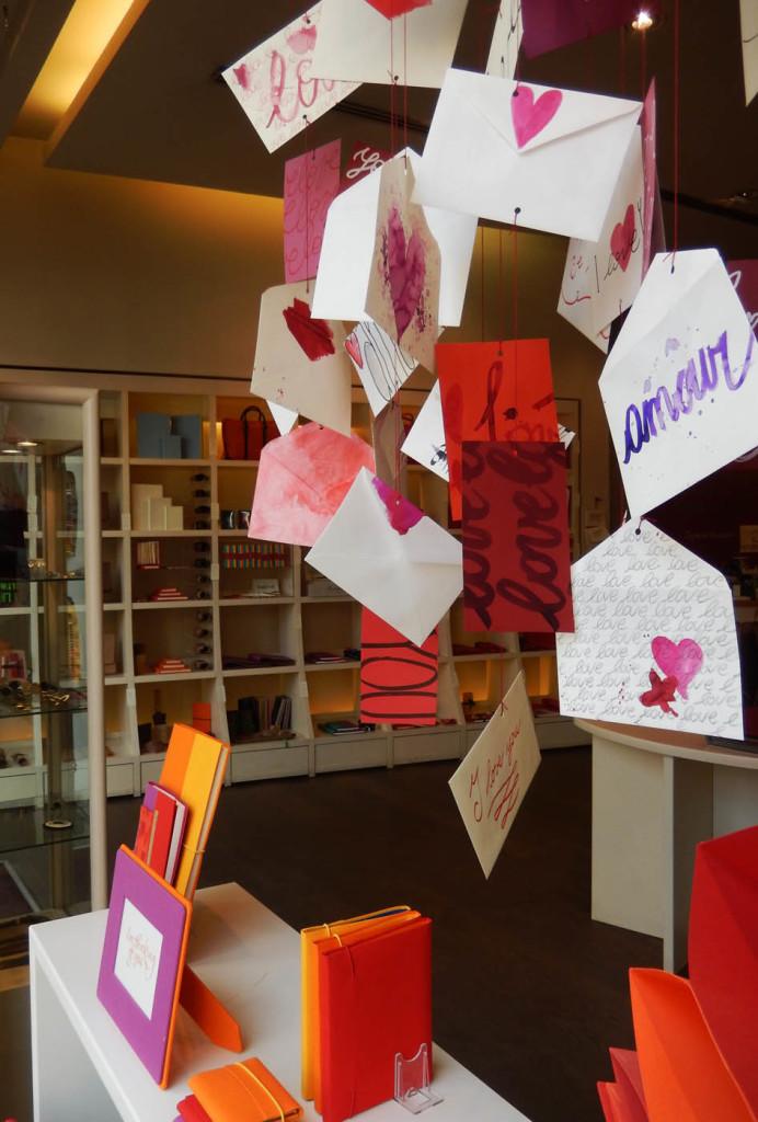 san-valentino-fabriano-wonderland-allestimenti-carta