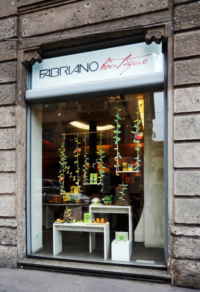 vetrina-fabriano-wonderland-allestimento-boutique